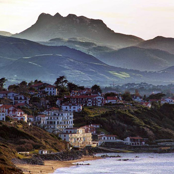 French Basque coast: The coast from Hendaye to Biarritz