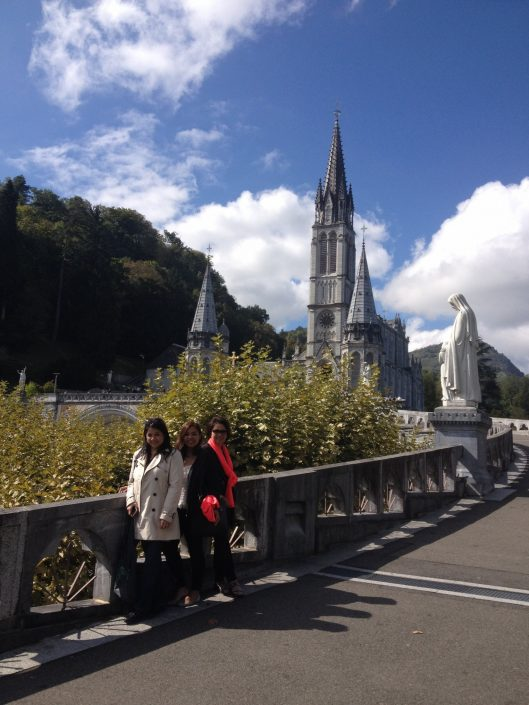 """Lourdes tour from San Sebastian"""
